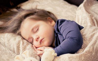 4 Tipps für ruhigen Schlaf mit Kindern